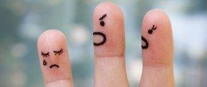 deux doigts crient sur un dernier