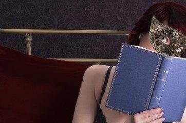 femme erotique dans le lit